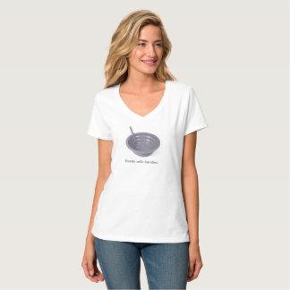 Camiseta Bacias com o t-shirt Nano do V-Pescoço do Hanes de