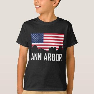 Camiseta Bandeira americana da skyline de Ann Arbor