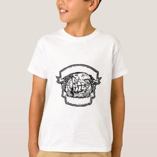 Camiseta Bandeira do navio de pirata do lobo retro