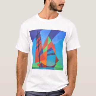 Camiseta Barco abstrato da sucata do Cubist contra o céu