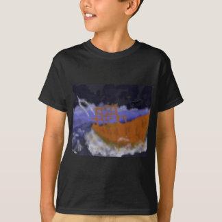 Camiseta Barco velho na arte da tempestade