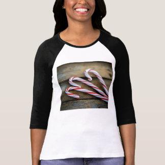 Camiseta Bastões de doces de Chrstmas na madeira do vintage