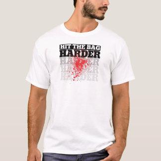 Camiseta Bata o t-shirt gráfico mais duro do saco