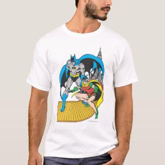 Camiseta Batman & escape do pisco de peito vermelho