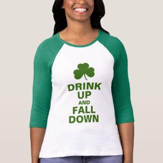 Camiseta Beba acima e caia para baixo