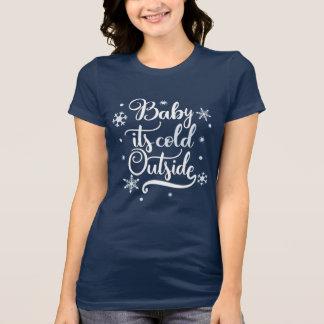 Camiseta Bebê é inverno exterior frio