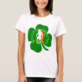 Camiseta Beber irlandês do Dia de São Patrício das meninas