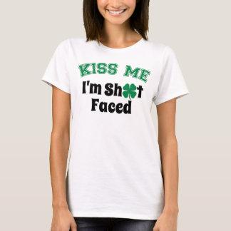 Camiseta Beije-me, mim são *** de S enfrentado