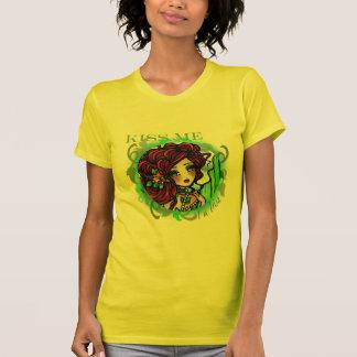 Camiseta BEIJE-ME que eu sou arte irlandesa da fantasia da