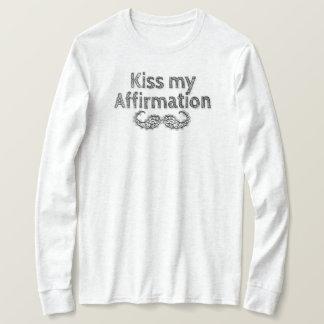 Camiseta Beije minha luva longa da afirmação
