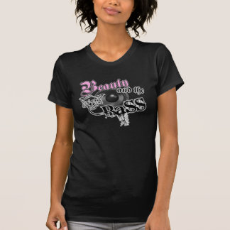 Camiseta Beleza e o logotipo baixo baixo da música das