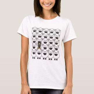Camiseta Belga Malinois nos carneiros