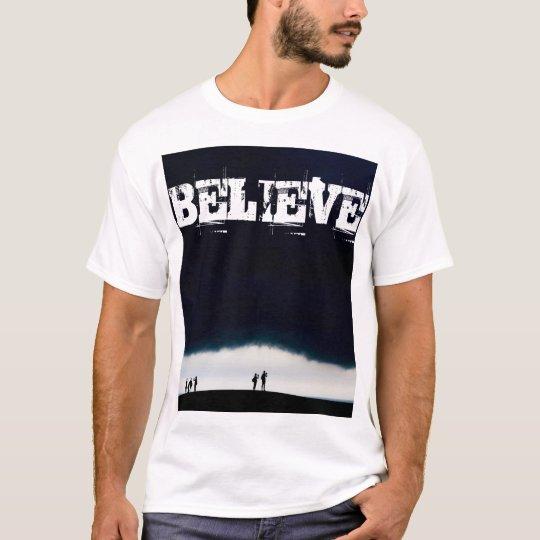 Camiseta BELIEVE - Roupa Básica