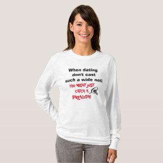 Camiseta BEWARE DOS BARRACUDAS AO DATAR a parte superior