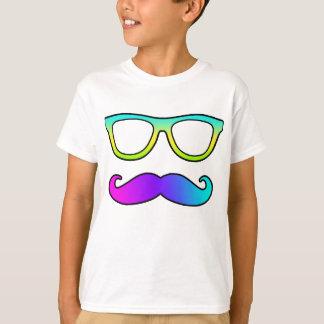 Camiseta Bigode e vidros coloridos