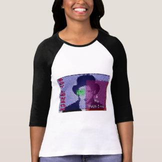 Camiseta BL&TMLC - O T da menina de Stainglass