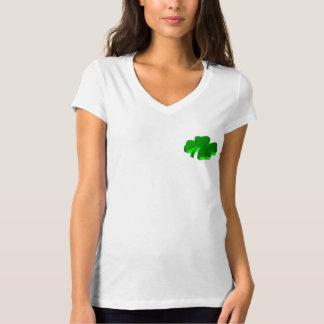 Camiseta Boa sorte do símbolo afortunado do verde do trevo