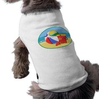 Camiseta Bola, balde & pá de praia na costa