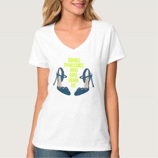 Camiseta Bons calçados, bons amigos, boa vida