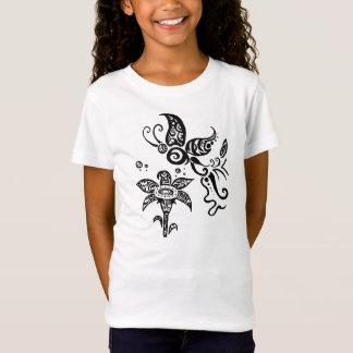 Camiseta Borboleta tribal preto e branco
