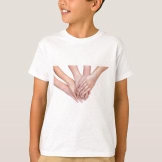 Camiseta Braços das mãos das meninas em se
