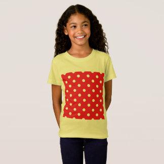 Camiseta CAÇOA o amarelo do t-shirt com os pontos bonitos
