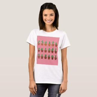 Camiseta Cacto adorável no t-shirt cor-de-rosa do fundo