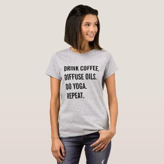 Camiseta Café, óleos, ioga, repetição