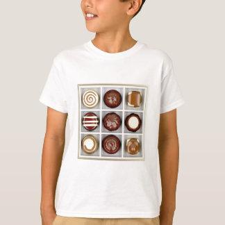 Camiseta Caixa com doces de chocolate