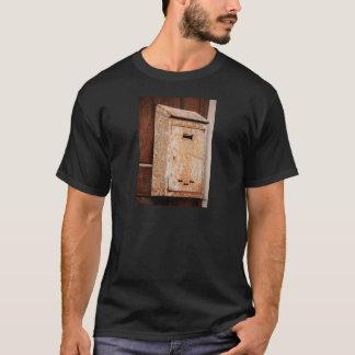 Camiseta Caixa postal oxidada fora