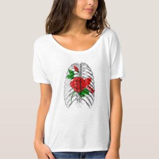 Camiseta Caixa torácica e flores