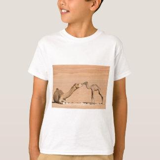 Camiseta Camelo do bebê e sua mãe
