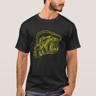 Camiseta Câmera do vintage em linhas amarelas