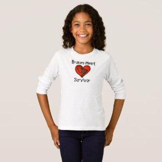 """Camiseta """"Camisa de T do sobrevivente do coração quebrado"""""""
