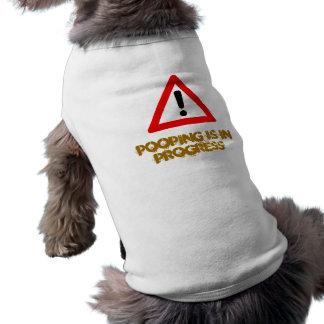 Camiseta camisola pooping do cão