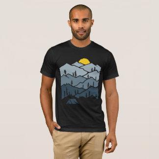 Camiseta Campista da barraca de montanha da região selvagem