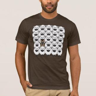 Camiseta Cão de german shepherd nos carneiros