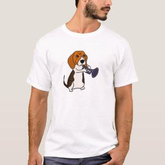 Camiseta Cão engraçado do lebreiro que joga a trombeta