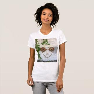 Camiseta Cara louca do louco que veste o t-shirt dos óculos