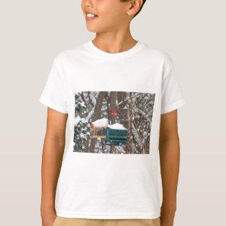 Camiseta Cardeal em Birdfeeder