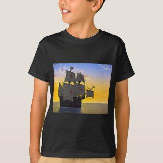 Camiseta carrack medieval no por do sol