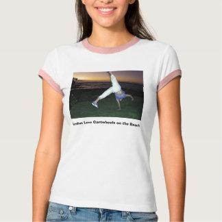 Camiseta Cartwheels do amor de Lesbos na praia