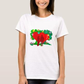 Camiseta casais no coração e em flores vermelhos