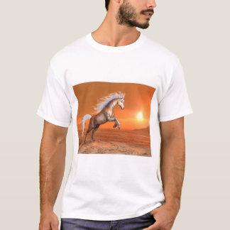 Camiseta Cavalo que eleva pelo por do sol - 3D rendem
