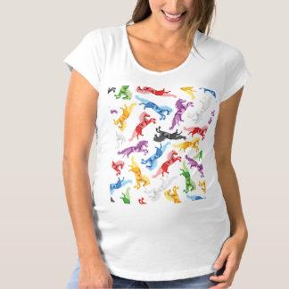 Camiseta Cavalos de salto coloridos do teste padrão