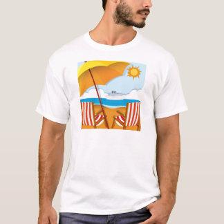 Camiseta Cena da praia com cadeiras e guarda-chuva