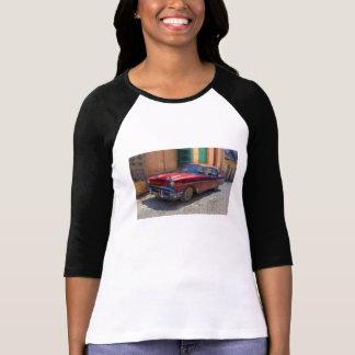Camiseta Cena da rua com o carro velho em Havana