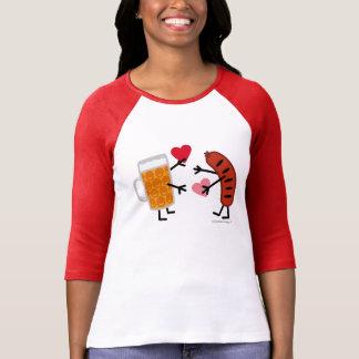 Camiseta Cerveja & bratwurst - coração bonito do amor do