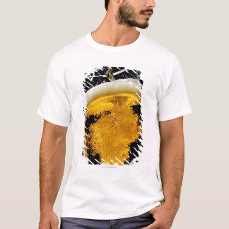 Camiseta Cerveja derramado no vidro