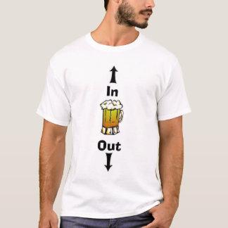 Camiseta Cerveja na cerveja para fora